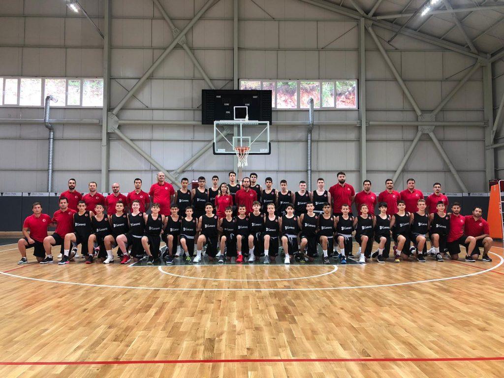 U13 Milli Takımımız Sporcu ve Antrenörleri